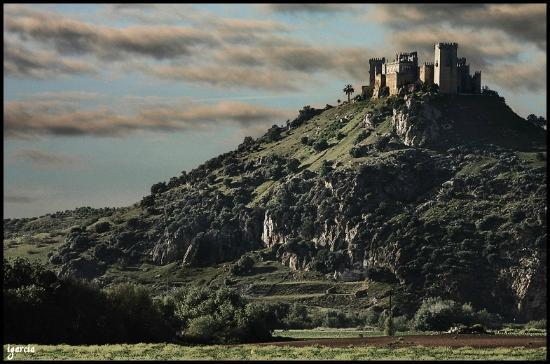 tavola news castillo almodóvar del río andalucía series rodajes juego de tronos